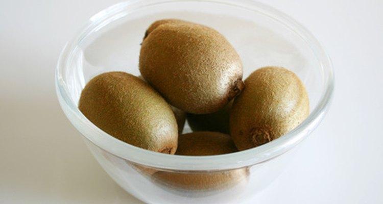 Ni el kiwi verde ni el dorado contienen cantidades significativas de proteínas o grasas.