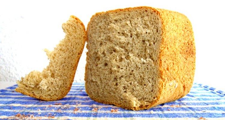 El pan casero puede tener una corteza blanca o crocante.