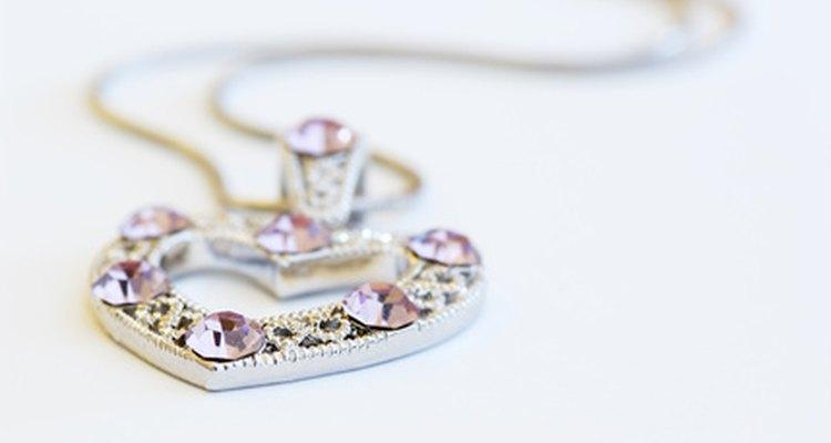 As correntes de prata, às vezes, podem se romper, porém são relativamente fáceis de se reparar