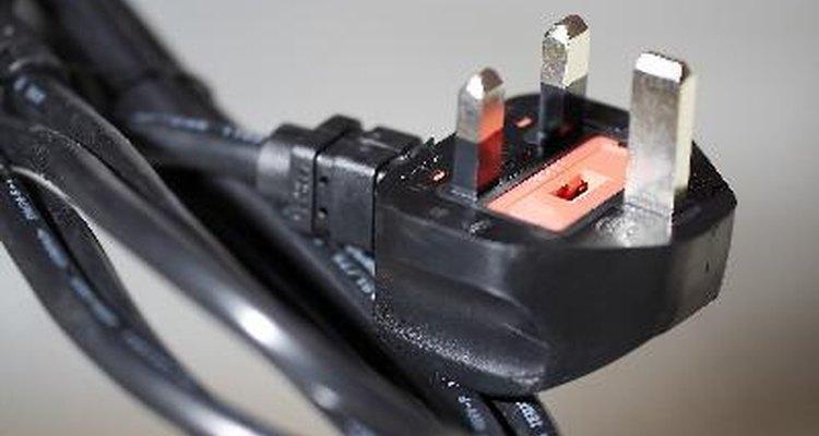 Cada cable de alimentación está diseñado para transportar con seguridad la tensión de entrada y salida de los aparatos.