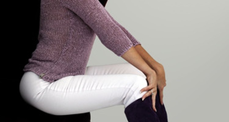 Levantar-se de uma posição sentada exige músculos inferiores do corpo
