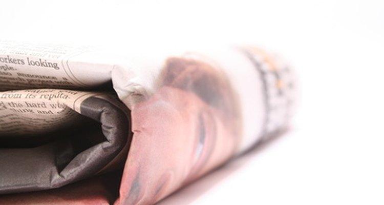 O jornal permite que você repouse o pincel enquanto protege as superfícies de tinta indesejada