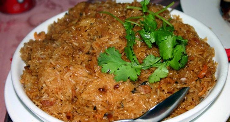 El arroz frito tiene tradicionalmente aceite de cacahuete.