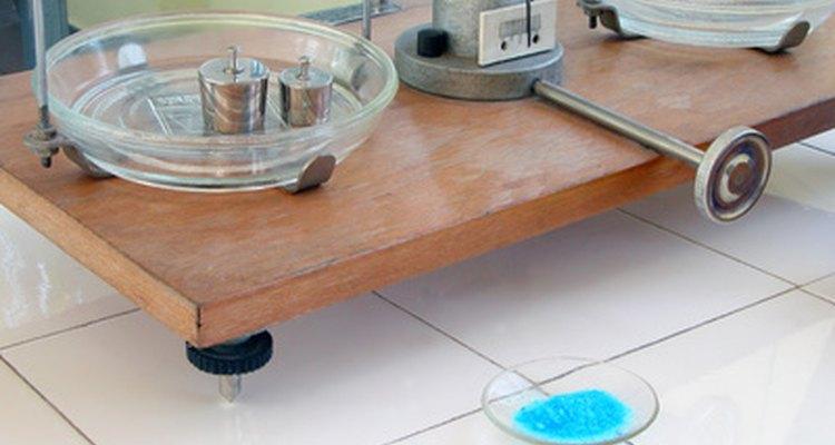 Condensadores de refluxo permitem a contínua condensação de um líquido, fervendo-o novamente