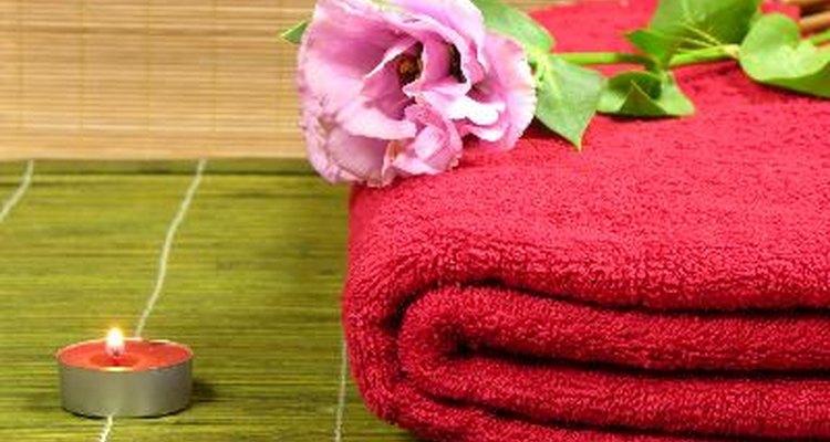 La mayoría de los spa de día proporcionan ropa para usar si vas a  recibir un tratamiento de cuerpo completo.