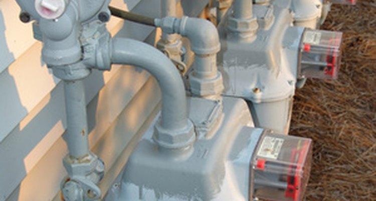 Las dobladoras de tubería se utilizan para doblar tuberías sólidas, reduciendo la necesidad de herrajes.