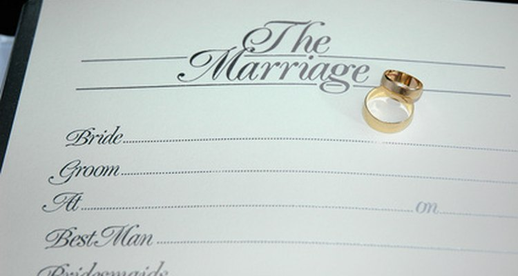 Pesquise registros antigos para encontrar a data do casamento de familiares e amigos