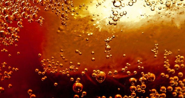 Beber demasiada Coca Cola puede ser perjudicial para la salud.