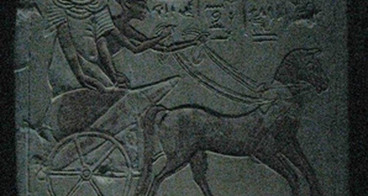 Viaja hacia la Antigüedad con una fiesta de temática egipcia.