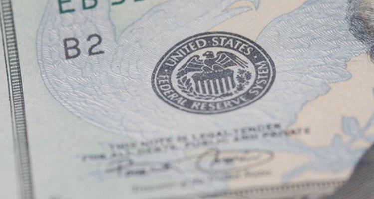 Para trabajar para el gobierno federal, debes cumplir con requisitos estrictos.