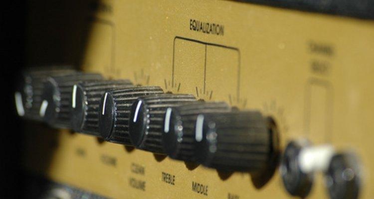 Muchos amplificadores permiten que el usuario ajuste el sonido de salida.