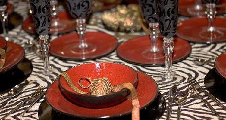 Los platos y tazones especiales se pueden comprar por separado.