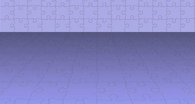 O verniz pode ser removido do quebra-cabeça passando álcool desnaturado na sua superfície