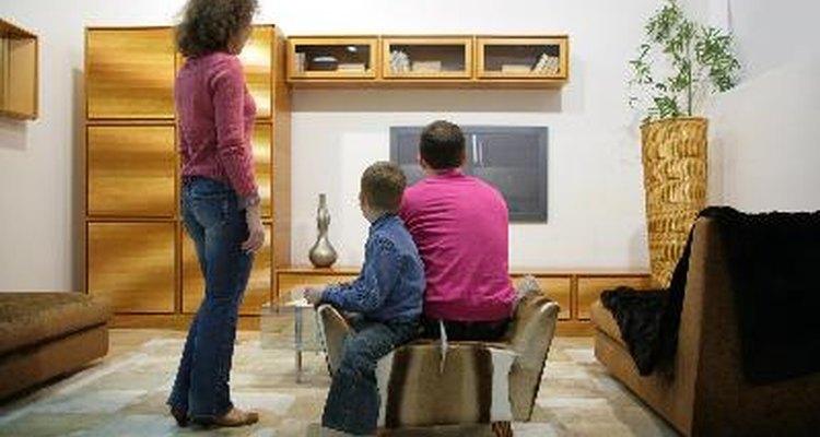 Haz tu propia mesa para televisores.