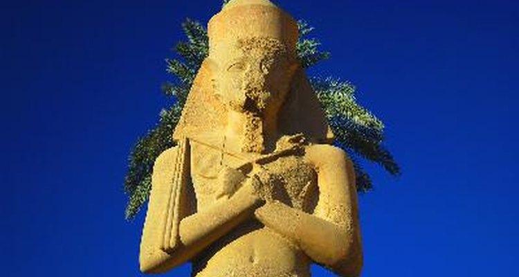 Los faraones egipcios eran embalsamados usando mirra.