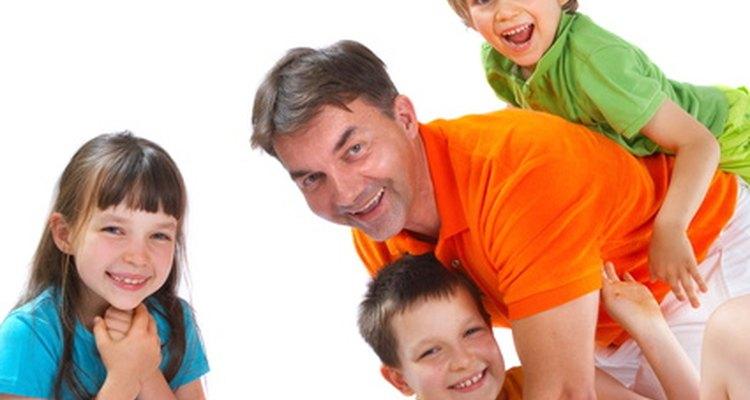 Existen posibilidades infinitas para divertirse en casa con niños y adultos.