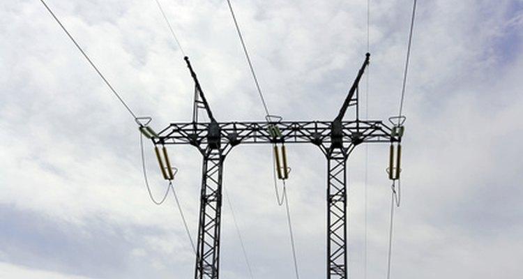 Los ingenieros eléctricos trabajan con electricidad.