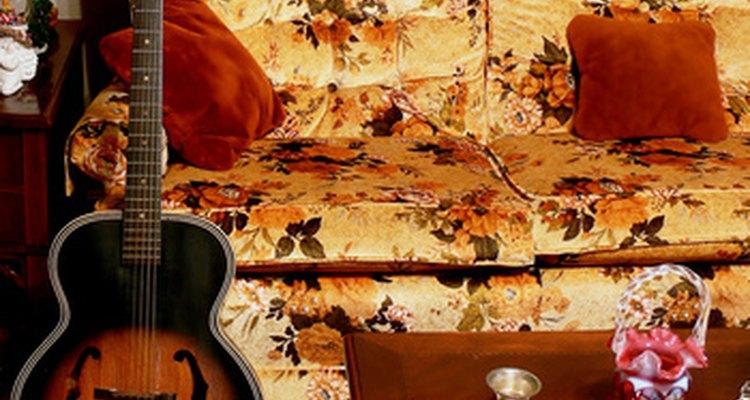 Capas de Sofá são uma ótima forma de renovar um móvel antigo