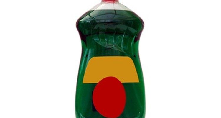 Evite detergentes com óleos e loções