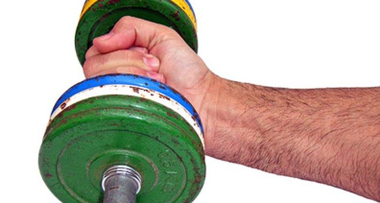 A rosca de pulso fortalece o antebraço