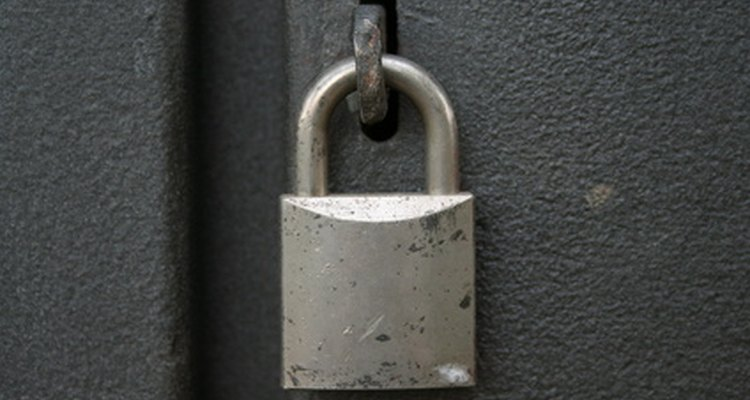 Utilizando distintos tipos de llaves puedes abrir cualquier cerradura.
