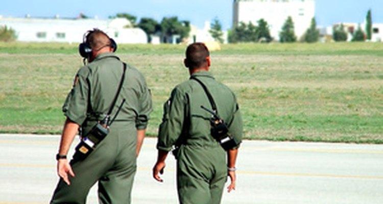 Según el Ejército, los solicitantes civiles calificados alistados durante seis años en la Reserva son elegibles para recibir hasta US$ 20.000 en bonos.