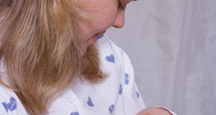 Crear una lista de regalos para tu bebé permite a amigos y familiares comprar cosas para tu recién nacido.