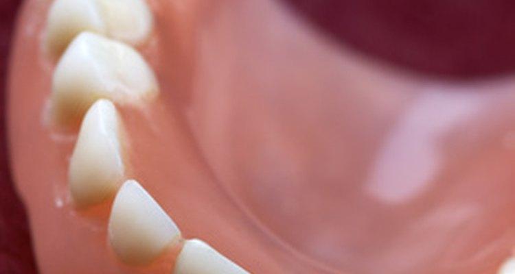 El bicarbonato de sodio ayuda a eliminar las manchas de nicotina.