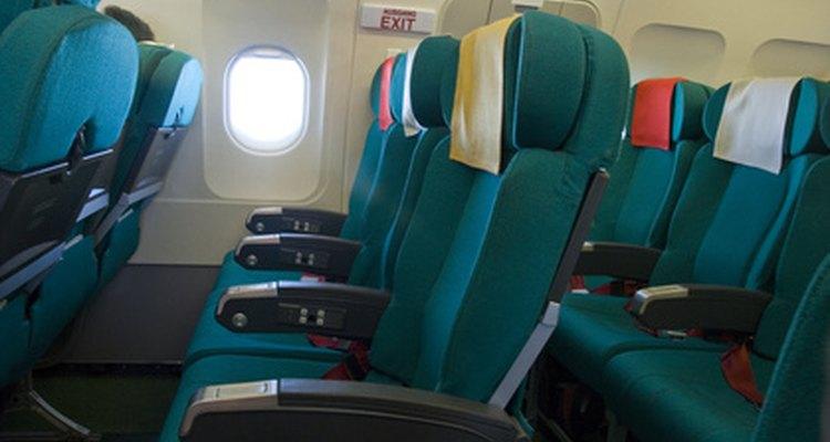Colocar o cinto em um avião é fácil