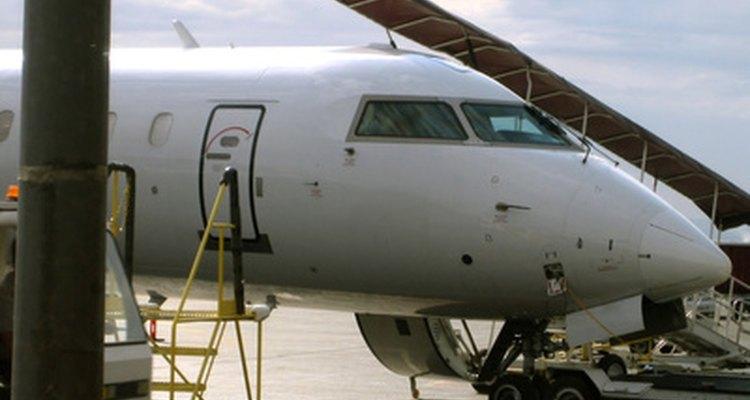 Emirates Airline emplea a más de 40.000 trabajadores.