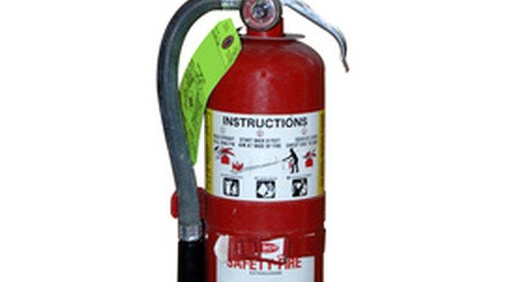 Los extintores de fuego están clasificados para un uso específico.