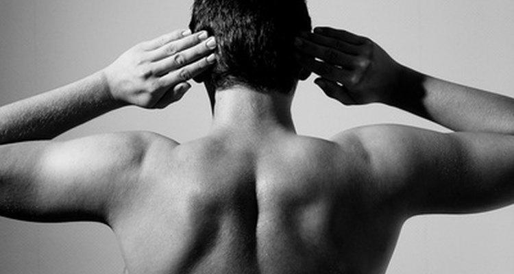 El dolor de omóplato puede tratarse con varias alternativas naturales.