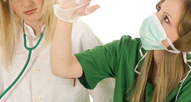 Te pueden preguntar si tienes conocimiento de una variedad de instrumentos médicos.