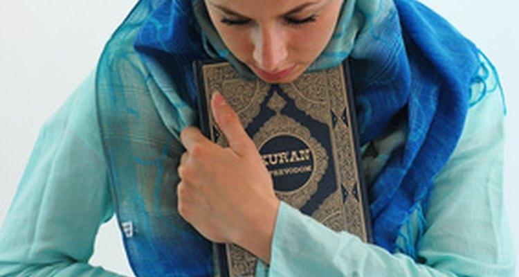 El matrimonio de una musulmana con un hombre no musulmán no se considera válido en el Islam.