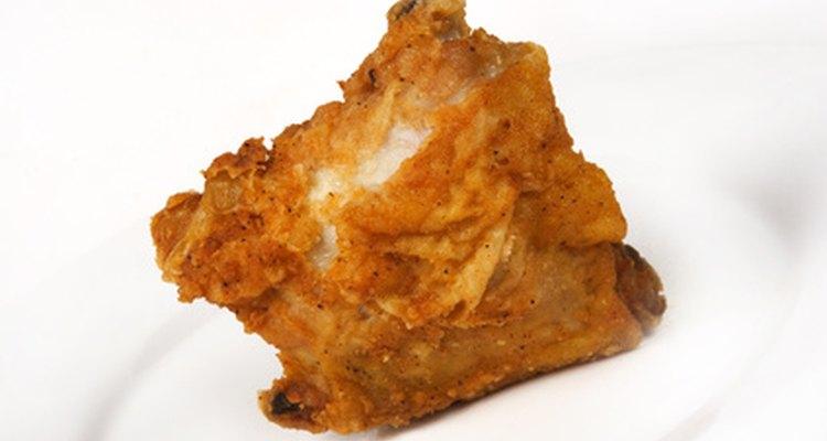 El pollo perfectamente frito necesita el aceite adecuado.