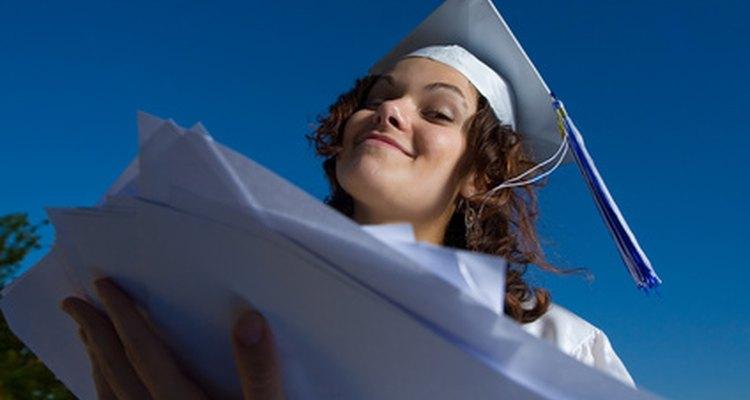 A impressão de um novo diploma com nome corrigido requer uma certa quantidade de documentos