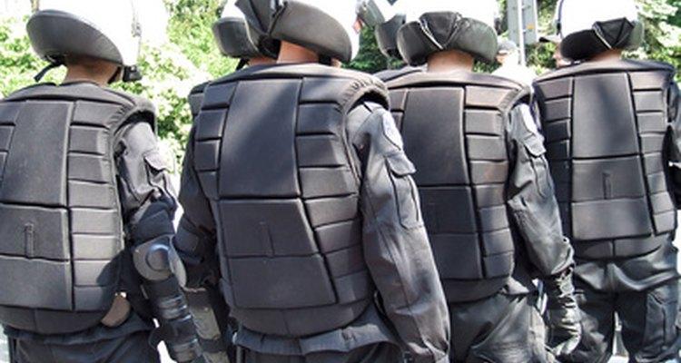 Grupos da SWAT usam uma variedade de armas