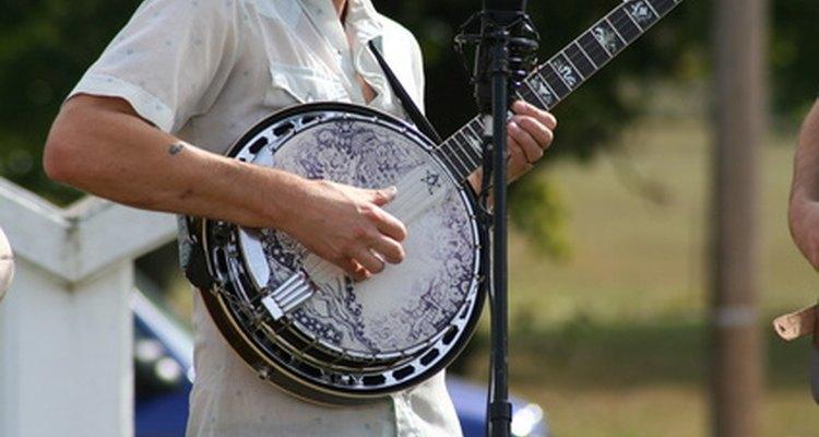 Afinar seu banjo de 4 cordas é uma tarefa simples