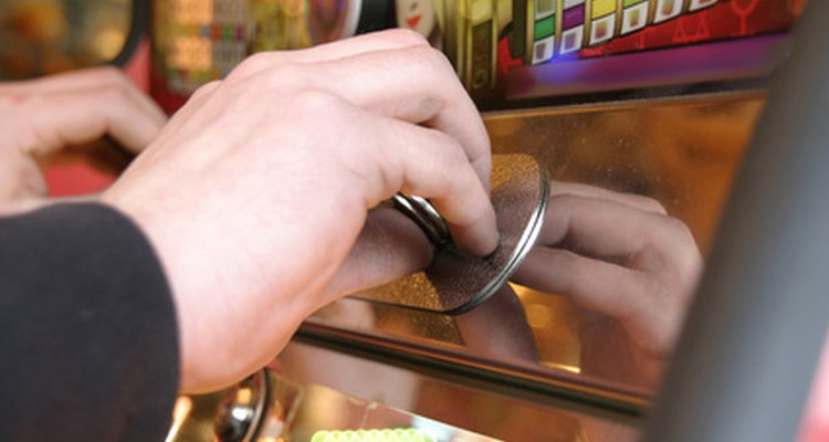 Los técnicos de máquinas tragamonedas pueden trabajar noches, fines de semana y días festivos.