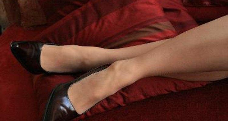 Puedes elegir unos zapatos que combinen con tu vestido.