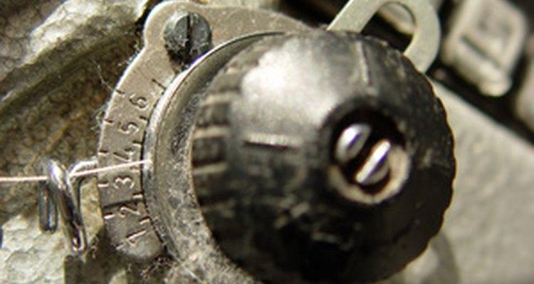 Poeira se acumula ao longo do tempo dentro da máquina de costura