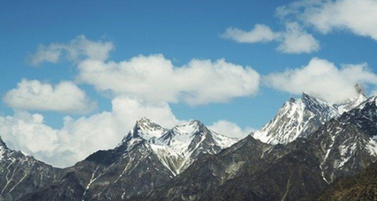 O ar no topo de montanhas é notavelmente mais rarefeito que no nível do mar