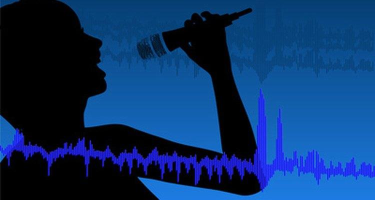 Acalmar a voz antes de cantar ajuda a melhorar o som e a saúde de sua garganta