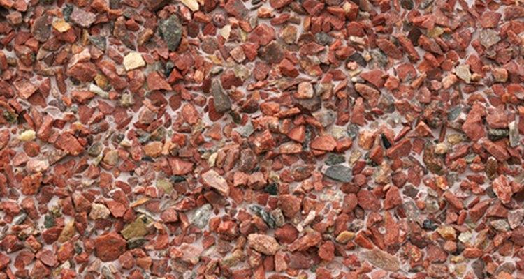 Las rocas volcánicas pueden ser de muchos colores.