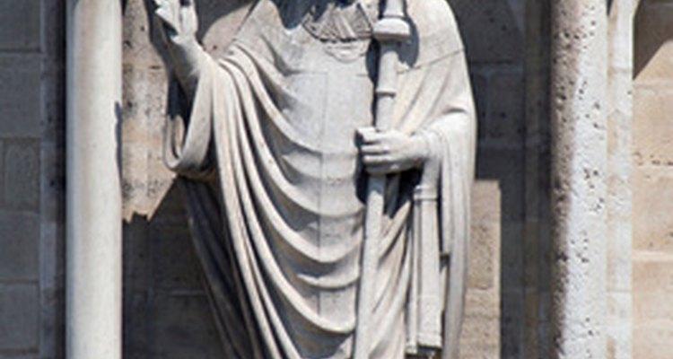 En el siglo 12, el Papa Inocencio III declaró que el matrimonio debe ser celebrado en la iglesia y con un anillo.