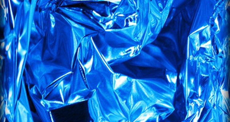 O alumínio é leve e brilhante, mas tem suas limitações