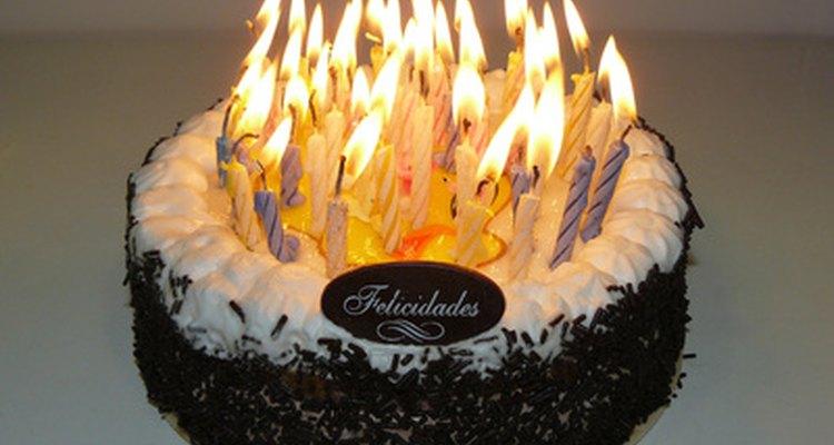 Existen varias tradiciones de cumpleaños dulces 16.