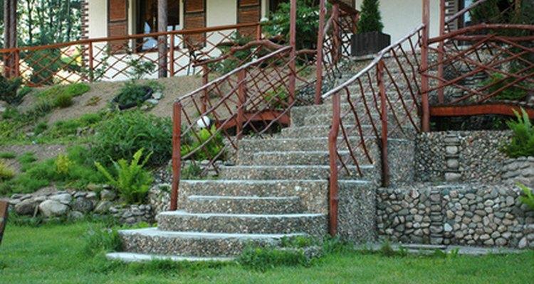 Você deverá calcular as dimensões da escada para saber quanto de piso será necessário