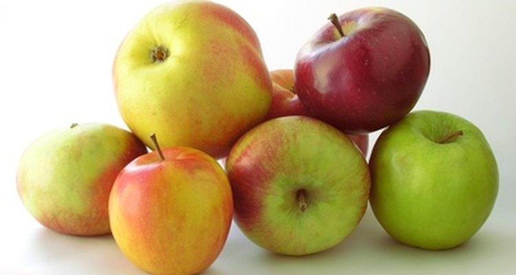 Mesmo sendo tão saudáveis, as maçãs quando apodrecem estragam as outras que estão perto