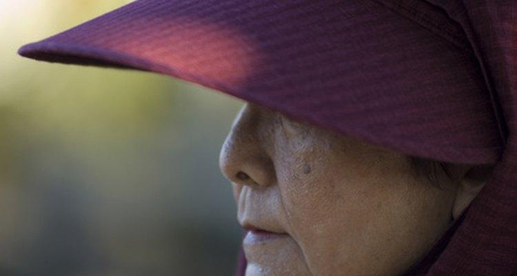 Reglas de etiqueta para el uso de sombreros en las mujeres.